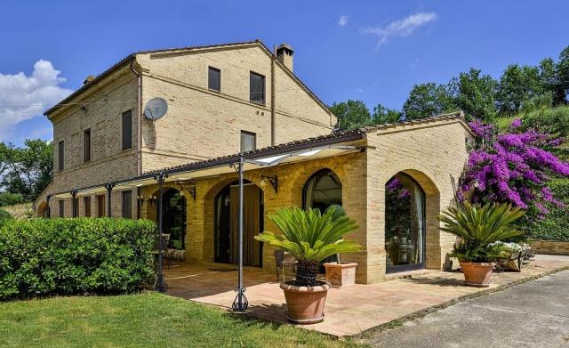 20150910105746Zeer Luxe Villa Voor 14p Met Pool Le Marche 29
