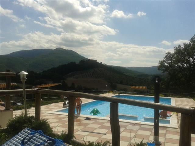 20160504051858Zwembad Agriturismo Le Marche 13d