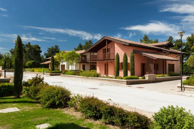 20190318042222Le Marche San Severino Luxe Villa Park Zwembad 31
