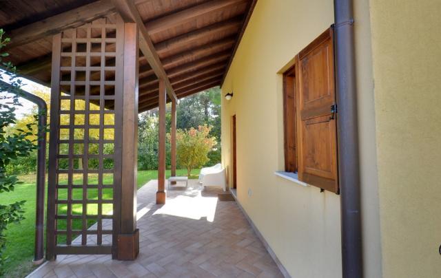 20190318042341Le Marche San Severino Luxe Villa Park Zwembad 32a