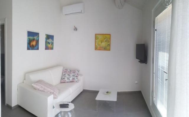20190320024704Villa Met 4 Appartementen Zwembad Filottrano 27