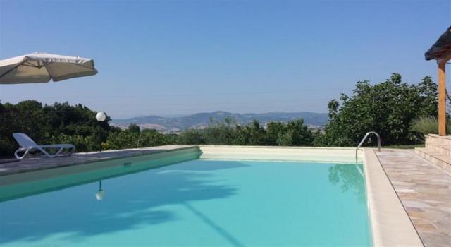 Agriturismo Zwembad Pesaro 13