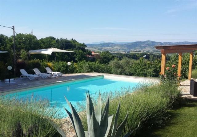 Agriturismo Zwembad Pesaro 1b