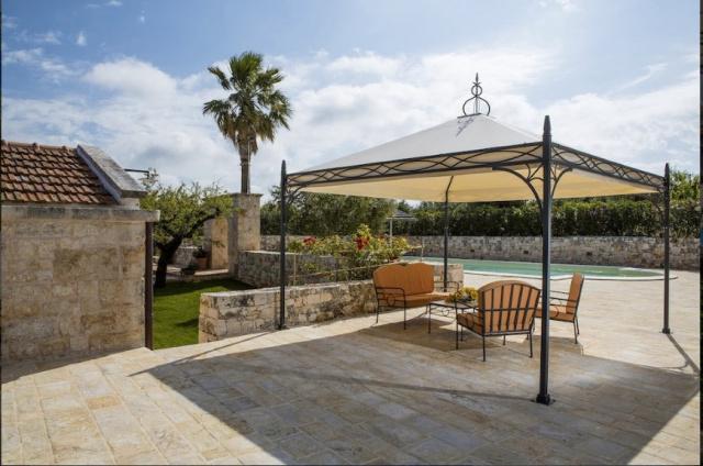 Alberobello Trulli Appartement Zwembad Zitje 1