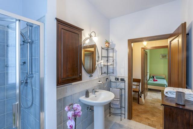Appartement Le Marche Vlakbij Zee LMV3370A Badkamer1