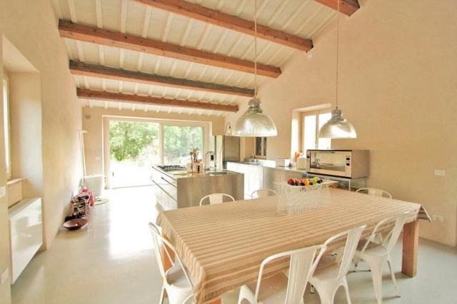 Compleet Vrij Gelegen Villa Pergola 16