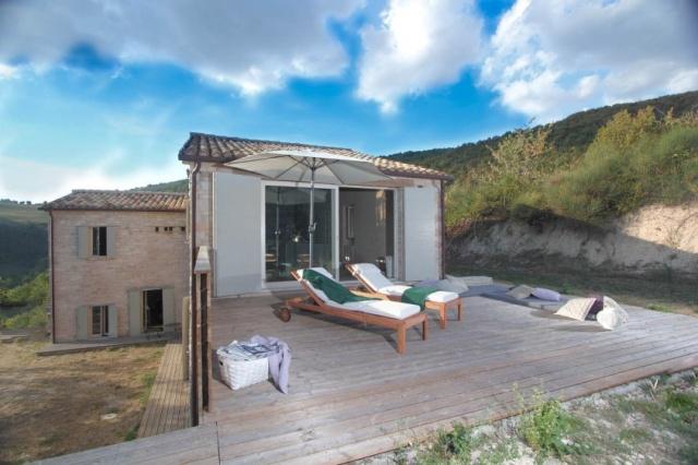 Compleet Vrij Gelegen Villa Pergola 4