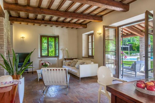 Fermignano Le Marche Luxe Villa Zwembad Salon 2