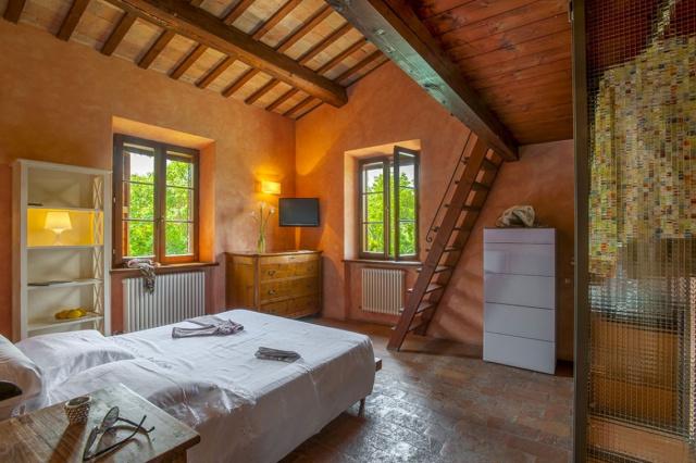 Fermignano Le Marche Luxe Villa Zwembad Slaapkamer 1