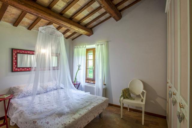 Fermignano Le Marche Luxe Villa Zwembad Slaapkamer 2
