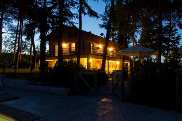 Grote Vrijstaande Villa Zwembad Loretello 24b
