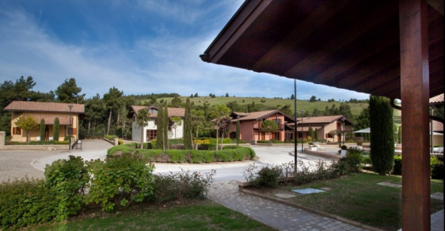 Le Marche San Severino Luxe Villa Park Zwembad 4a