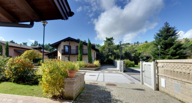 Le Marche San Severino Luxe Villa Park Zwembad 4f