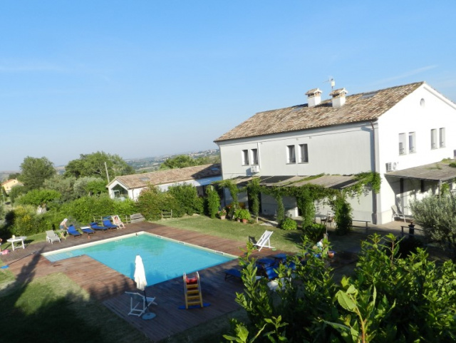 Le Marche Agriturismo Zwembad 12a