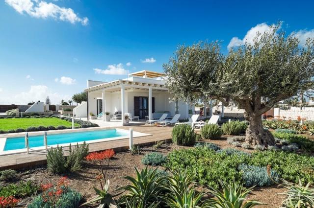 Moderne Villa Aan Strand Puglia 1f