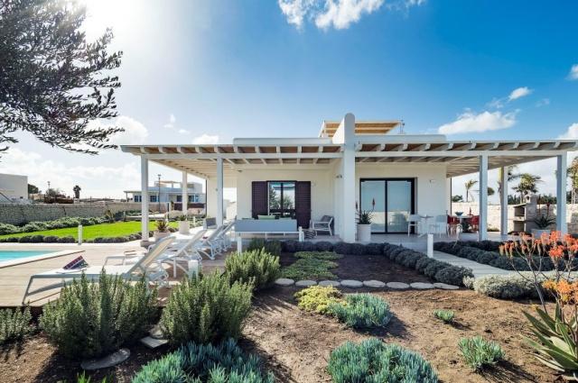 Moderne Villa Aan Strand Puglia 1g