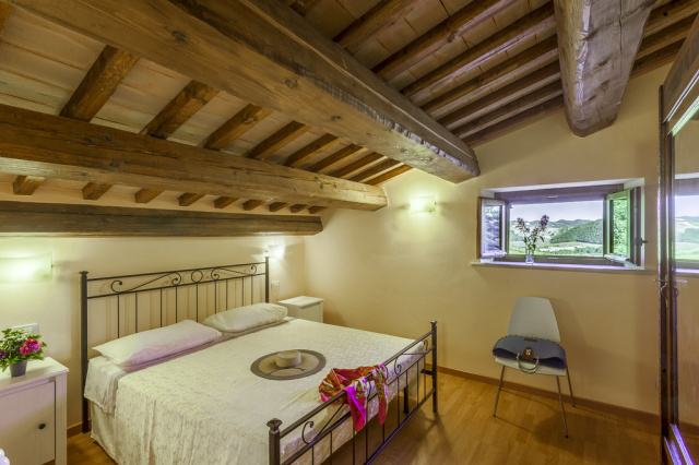 Noord Le Marche Urbino Villa LMV2310B Slaapkamer2