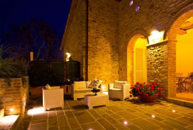 Noord Le Marche Urbino Villa LMV2310B Terras2