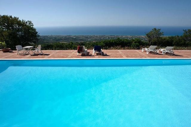 Noord Sicilie Vakantie Appartementen Met Zeezicht En Groot Zwembad 1