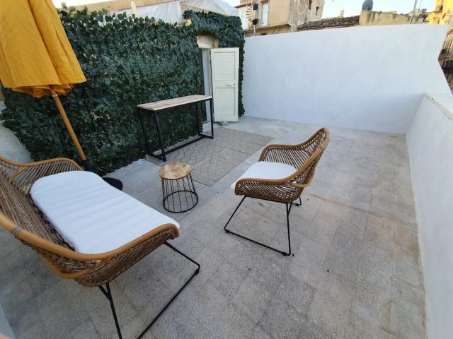 Noto Appartement Met Gedeeld Dakterras In Centrum Pt 2