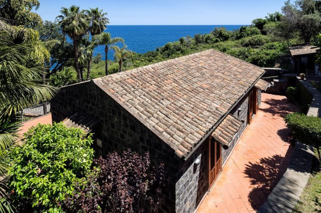Sicilie Acireale Villa Zee Zwembad Buitenkeuken 11