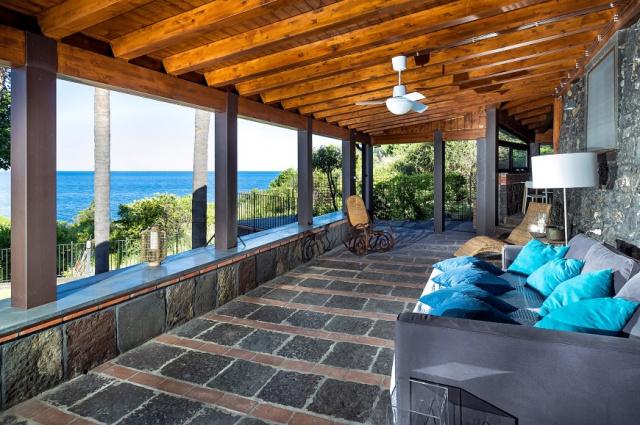 Sicilie Acireale Villa Zee Zwembad Buitenkeuken 12d