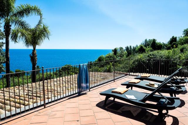 Sicilie Acireale Villa Zee Zwembad Buitenkeuken 7