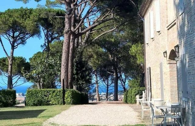 Statig Landhuis Met Appartementen Vlakbij Zee Pesaro 86
