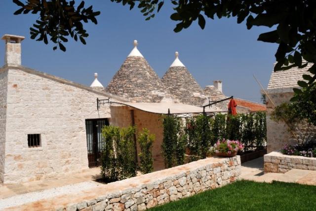 Trulli Dorp Bij Alberobello In Puglia 52