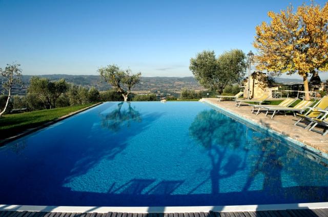 Umbrie Todi Villa Op Landgoed Zwembad 4