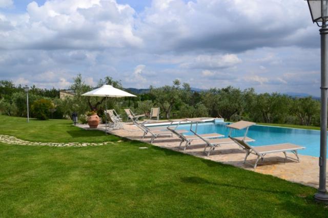 Umbrie Todi Villa Op Landgoed Zwembad 4a