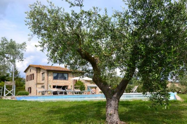 Umbrie Todi Villa Op Landgoed Zwembad 6