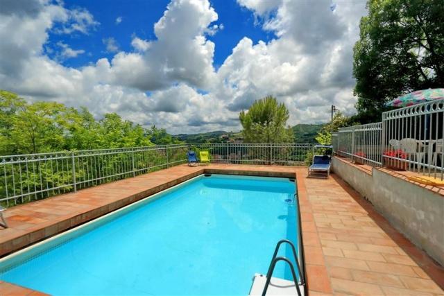 Villa Met Zwembad San Severino 5