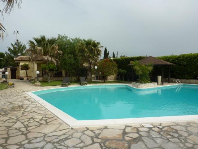 Villa Zwembad 8 Personen Puglia 1