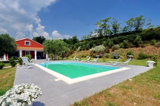 Villa Zwembad Airco Cingoli 3