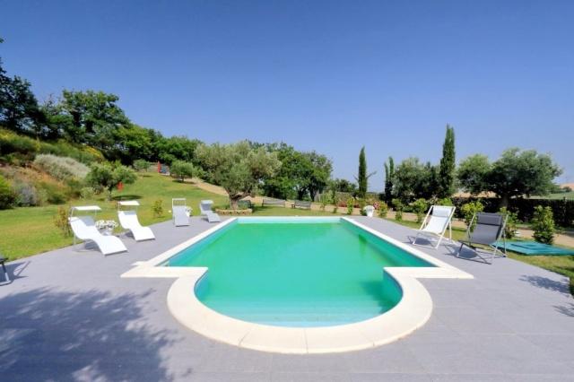 Villa Zwembad Airco Cingoli 4