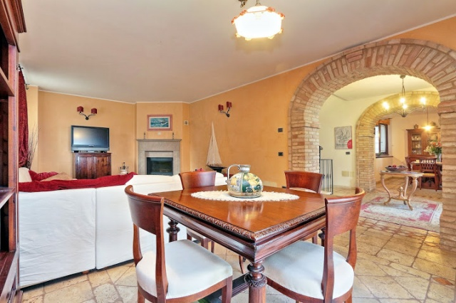 Villa Met Pool Bij San Severino Le Marche 41