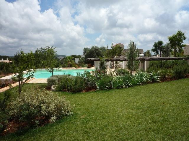 Complex Met Trullo En Lamie En Gedeeld Zwembad Itria Vallei Zuid Italie Puglia 4