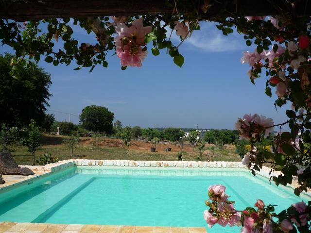 Complex Met Trullo En Lamie En Gedeeld Zwembad Itria Vallei Zuid Italie Puglia 7