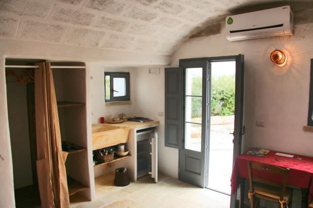 Complex Met Trullo En Lamie En Gedeeld Zwembad Itria Vallei Zuid Italie Puglia 7f