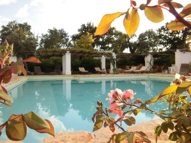 Complex Met Trullo En Lamie En Gedeeld Zwembad Itria Vallei Zuid Italie Puglia 8