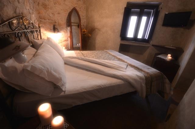Historisch Appartement Met Ligbad En Open Haard 10