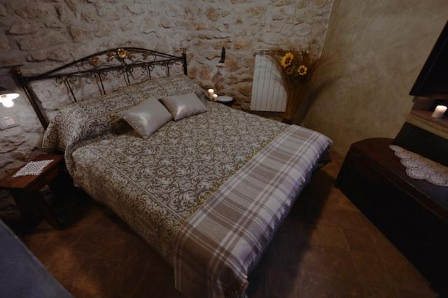 Historisch Appartement Met Ligbad En Open Haard 11