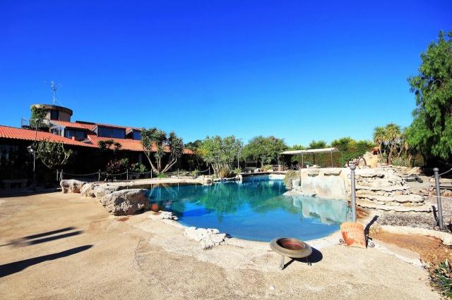 Kleinschalig Complex Met Zwembad En Jacuzzi Lecce 2
