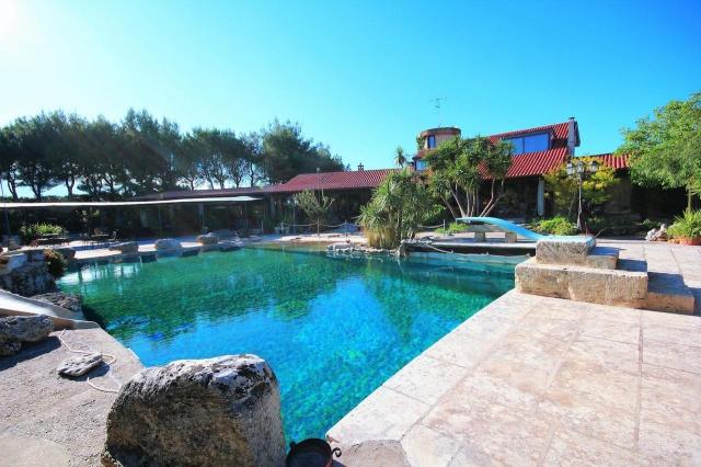 Kleinschalig Complex Met Zwembad En Jacuzzi Lecce 5