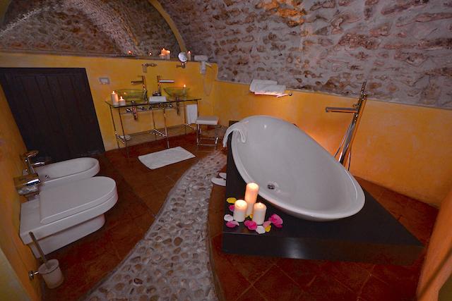 Luxe Appartement Met Ligbad En Open Haard 8