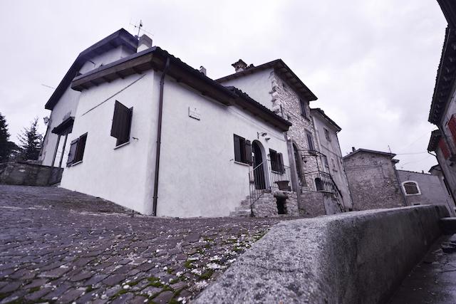 Luxe Woning Met Ligbad En Open Haard Abruzzo 2
