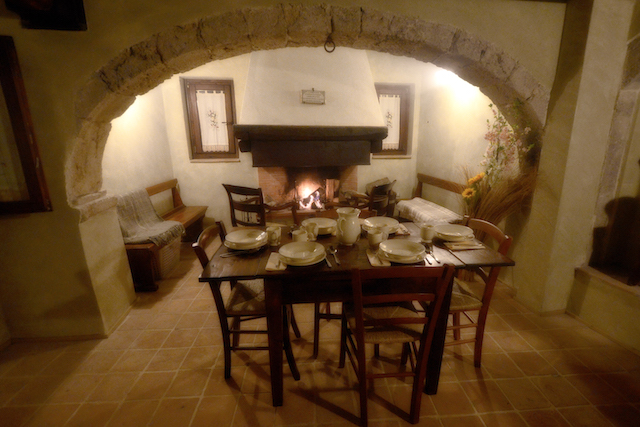 Luxe Woning Met Ligbad En Open Haard Abruzzo 5