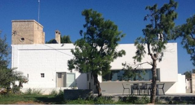 Moderne Villa Met Zwembad En Zeezicht In Puglia 1a