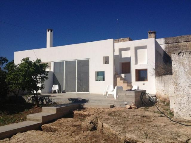 Moderne Villa Met Zwembad En Zeezicht In Puglia 7